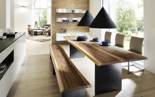 ANREI-Massivholzmoebel-Stamm-Tisch-mit-Waldkante