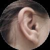 Rechtes Ohr einer Frau
